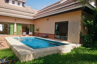 Poolvilla near Pattaya