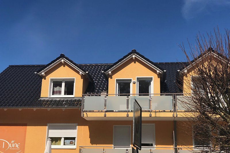 obere Wohnung links