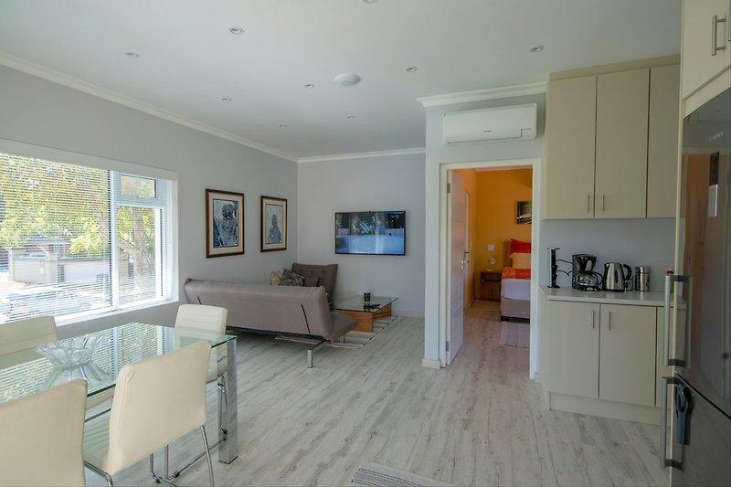 Junior-Suite - Wohn- und Essbereich