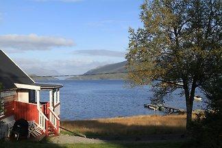 Häuschen am Fjord