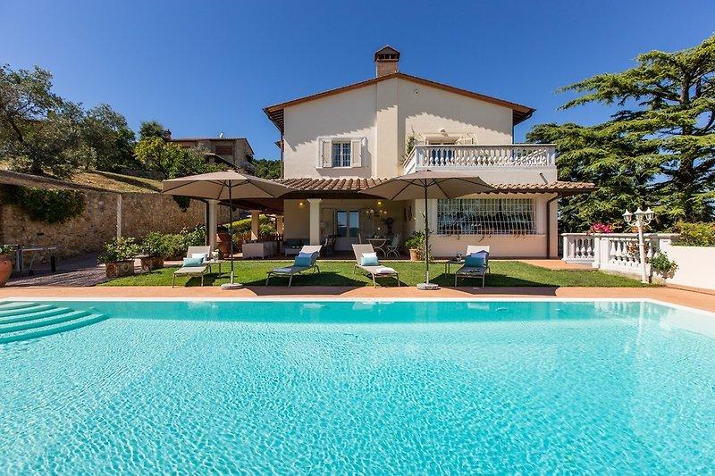 Villa mit Pool in Chianni