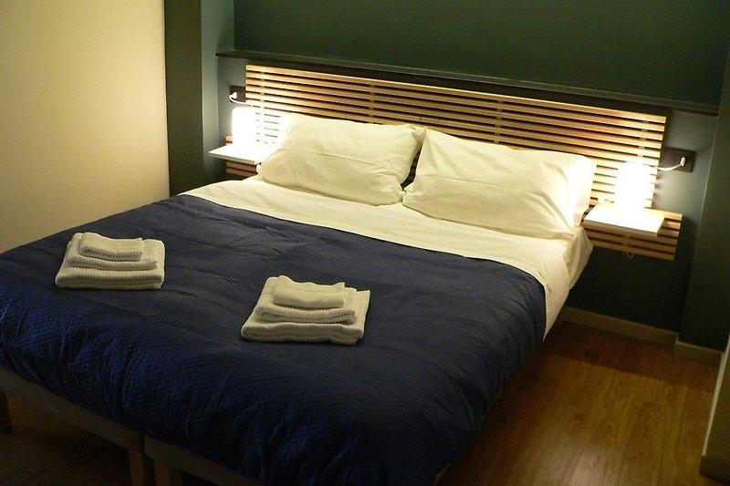 Bettwäsche und Handtücher