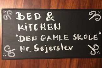 "Bed and Kitchen ""Den gamle skole"""