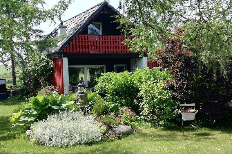 Ferienhaus mit Terrasse und Balkon Seeblick