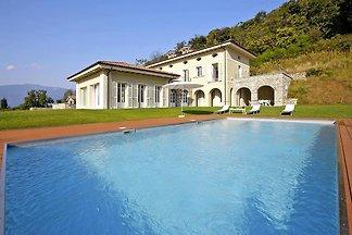 Villa il Portico, Suna