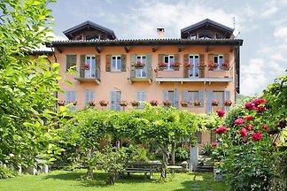 Appartementen il Giardinetto, Suna