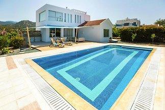 Villa Med. Coast Deluxe, Argaka inklusive...