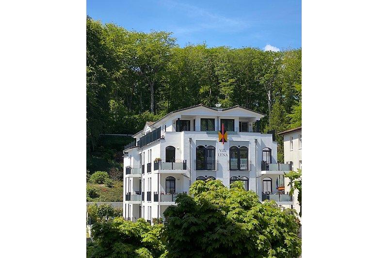 Villa Lena von gegenüber