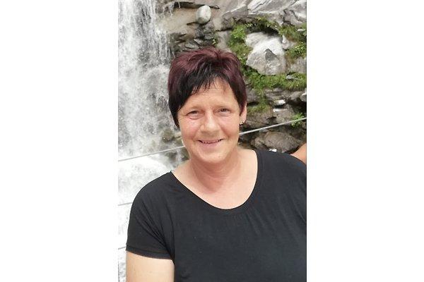 Frau R. Fiechtl