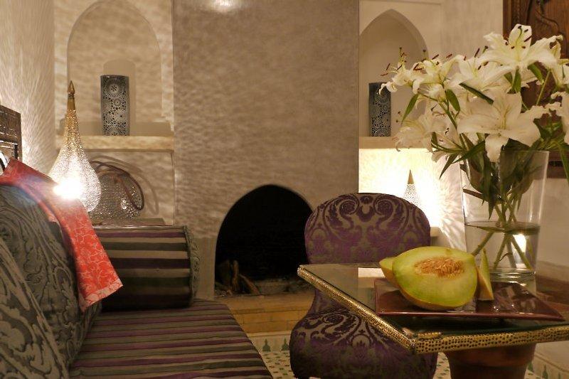 kleiner Salon mit Kamin