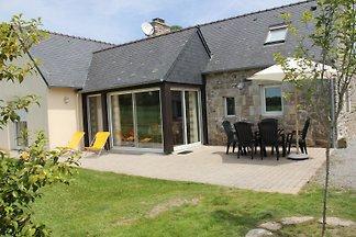 Cottage Frankreich, unabhängigen, ebenerdig, ruhig, 4 km vom Strand entfernt. 5 Personen in 2 Schlafzimmer und ein Zwischengeschoss. Mit Kamin, Wintergarten, Garten.