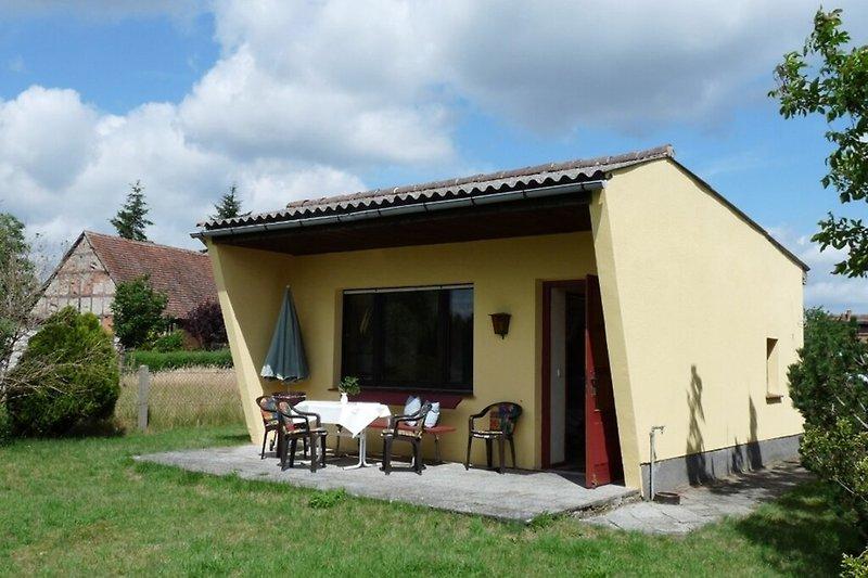Ferienhaus an der Elbe in Lenzen Hausansicht