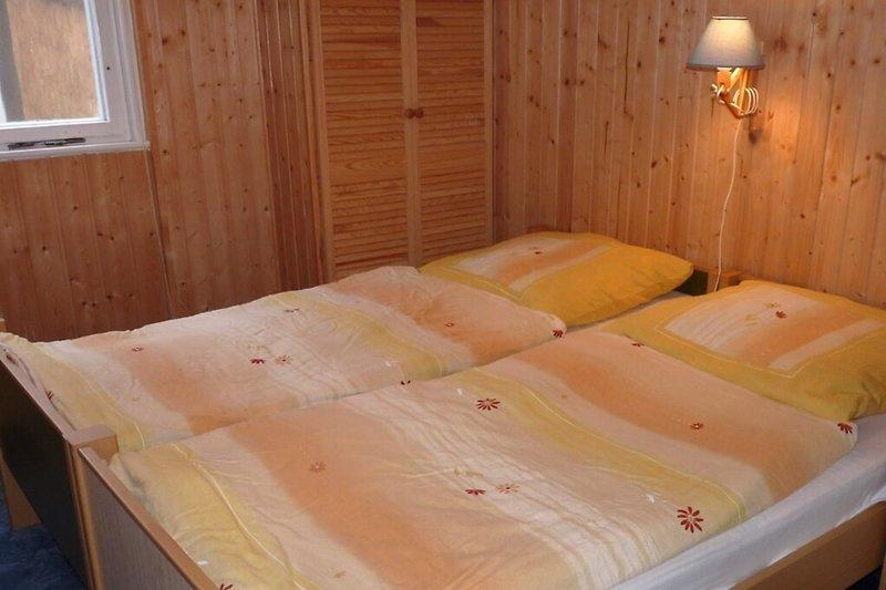 Ferienhaus in Stechlin Dagow Blick ins Schlafzimmer