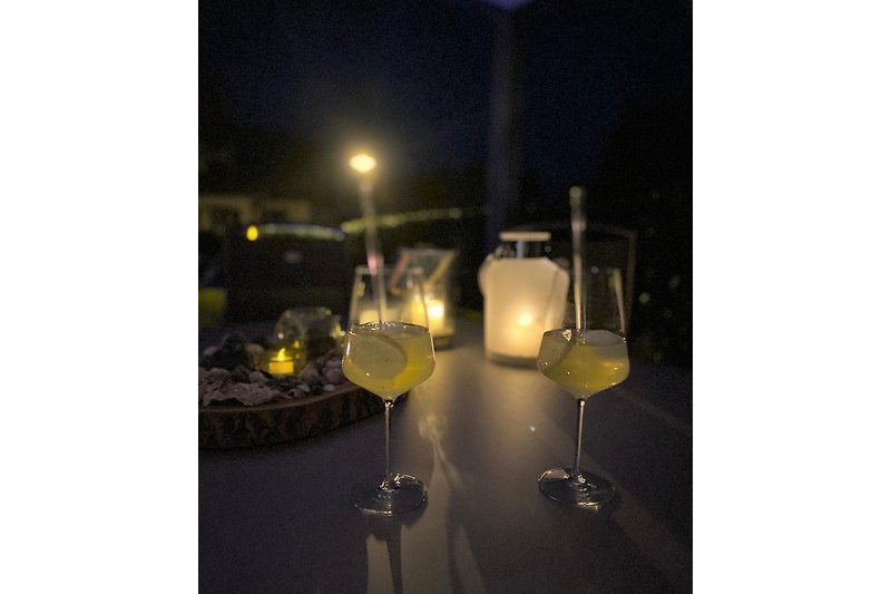 Cocktails by night