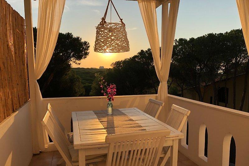 Terrasse oben/Sonnenaufgang