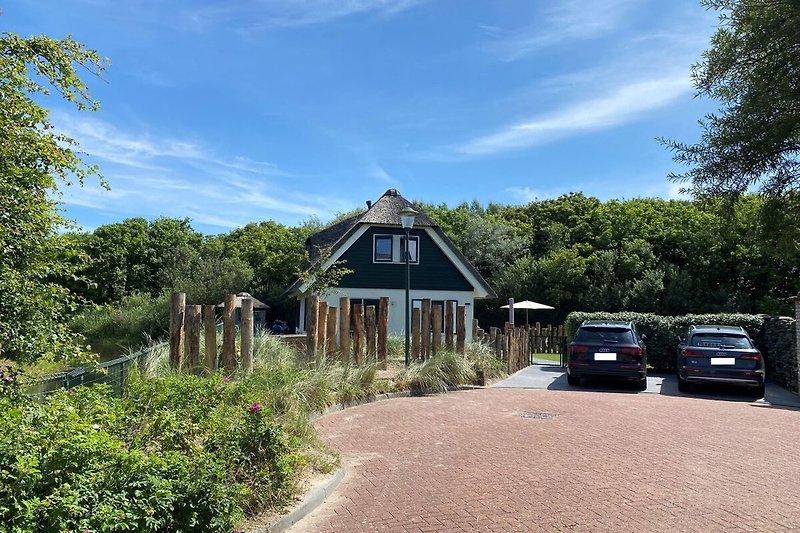 Ferienhaus mit zwei Stellplätzen