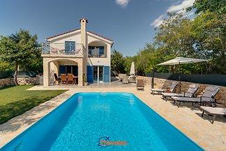 Moderne Villa mit Pool,ruhige Lage