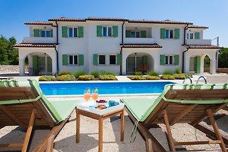 Schone Villa mit grosse Pool