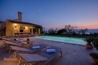 Romantisches Ferienhaus mit Pool