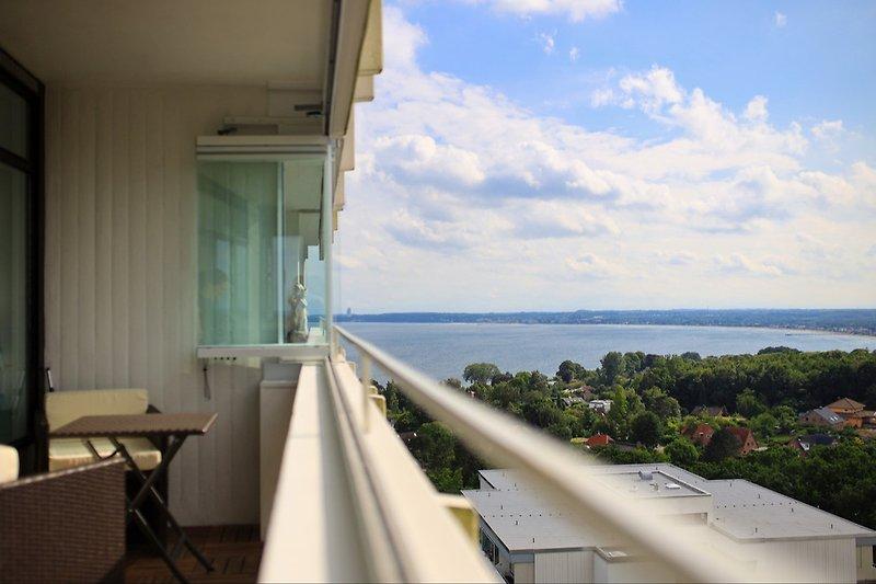 Blick vom Balkon auf die Lübecker Bucht