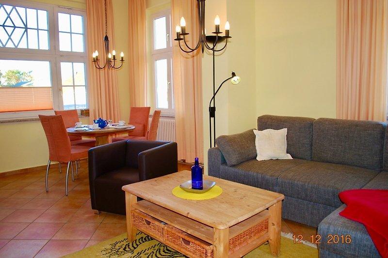 2. Blick in den Wohnraum