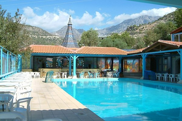 Hotel Eden Rock, family business in Agia Fotia - picture 1