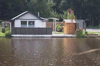 Ferienhaus direkt am Wasser
