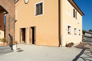 Sonniges Ferienhaus in Itieli mit Pool