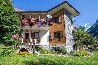 Gemütliches Ferienhaus in Poutaz in...