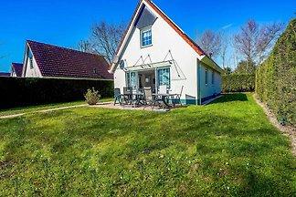 Komfortables Ferienhaus in Kortgene am Veerse...