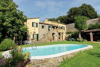 Gemütliches Ferienhaus mit eigenem Pool in...