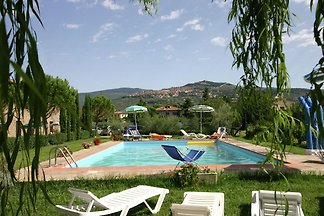 Cosy Holiday Home in Cortona with Swimming...