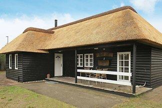 Schönes Ferienhaus in Blåvand mit Terrasse