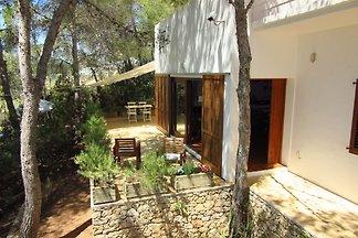 Ruhiges Ferienhaus in Sant Jordi mit Pool