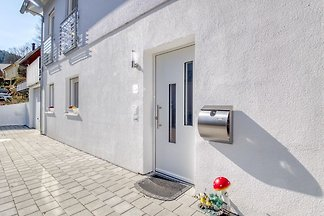 Kleine, hell und modern eingerichtete Wohnung...