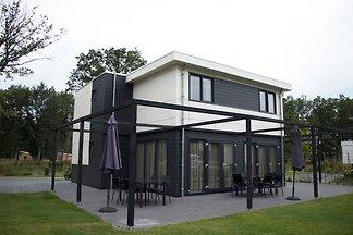 Luxuriöse Villa mit drei Badezimmern, 1 km vo...