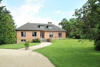 Komfortables Ferienhaus mit Terrasse in...
