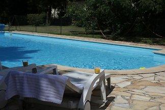 Gemütliche Ferienwohnung mit Pool in...