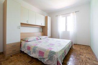 Einfaches Ferienhaus in Rogoznica in der Nähe...