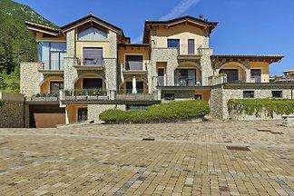 Schönes Ferienhaus in Scanno mit Terrasse