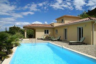 Luxuriöse Villa mit eigenem Pool in Les Vans