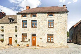 Vornehmes Ferienhaus in Matagne-La-Petite mit...