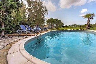 Charmante Villa in Siran mit Pool