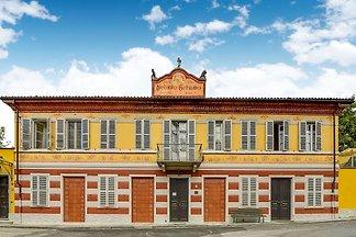 Typisches piemontesisches Anwesen in einem al...