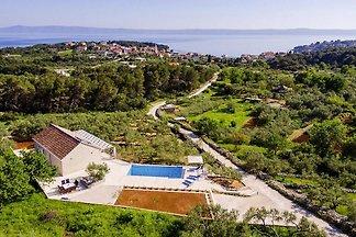 Villa Maslina, Sumartin