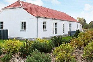 Hübsches Ferienhaus in Blåvand mit Sauna