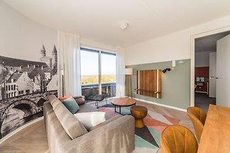 Luxuriöse, geräumige Suite, nur 4 km von Maas...