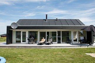 Großzügiges Ferienhaus mit Sauna in Brovst