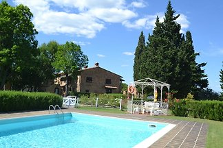 Peaceful Apartment with Pool in Montaione...
