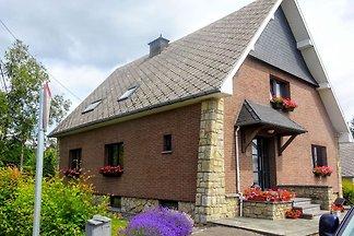 Verlockendes Ferienhaus in Waimes mit Garten